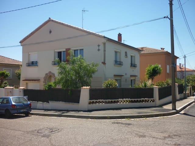 Appartement indépendant dans villa - Béziers - Appartement