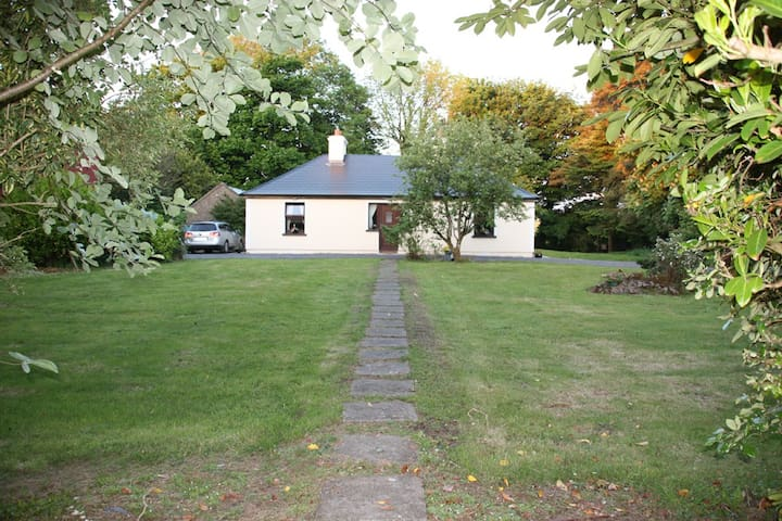 Cullentragh Cottage in the Mayo Countyside - Claremorris Co.