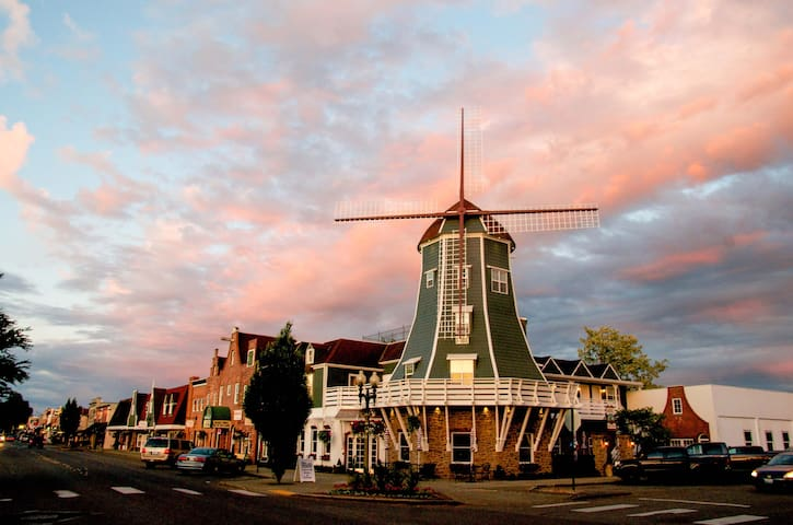 The Top of the Windmill at The Mill Inn! - Lynden - 其它