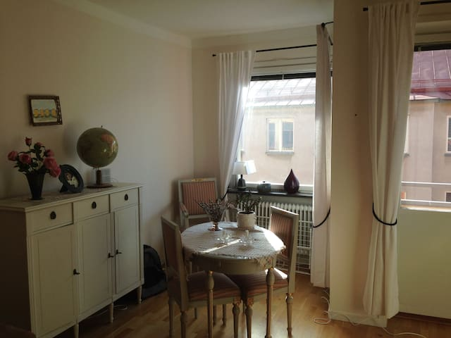 Beautiful and cosy apartment - Sundbyberg - Appartement en résidence