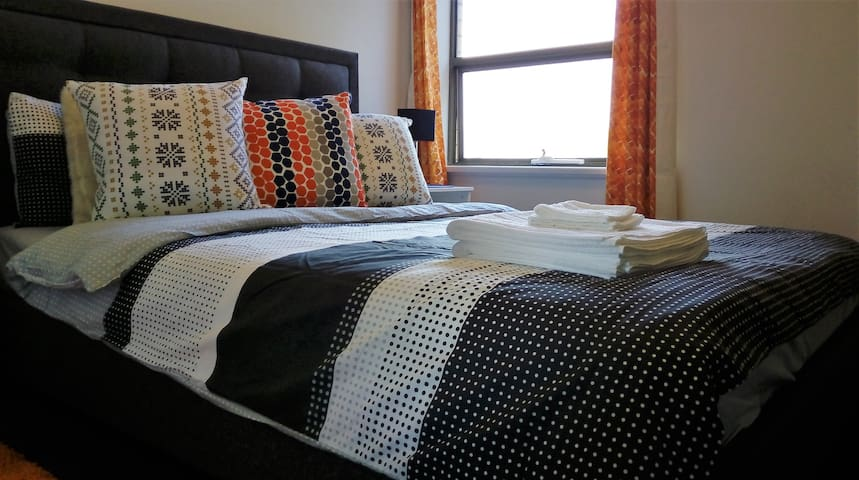 Airport, City or the Beaches?+ Free Brekky & WiFi - Adelaide - Appartement