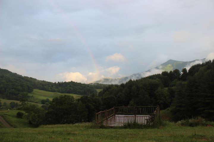 Snaggy Mountain Music & Arts Farm - Burnsville