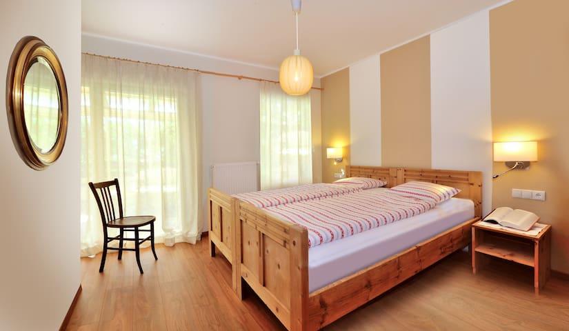Wohnung mit großem Wintergarten - Bressanone - Departamento