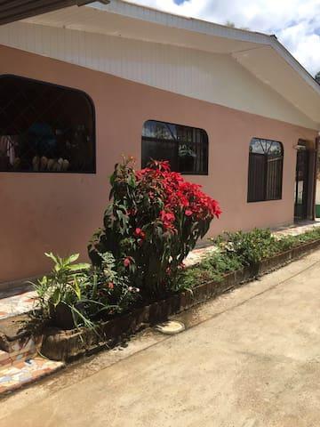 el paraiso tropical con dos habitaciones - San Isidro de El General - Talo