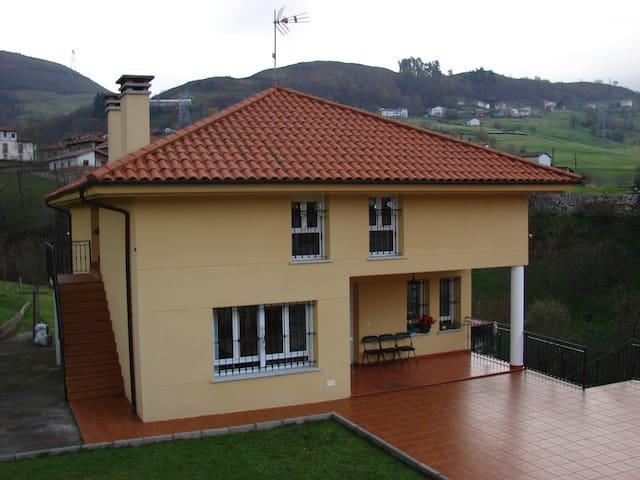Casa en picos de europa II - La Robellada - Daire