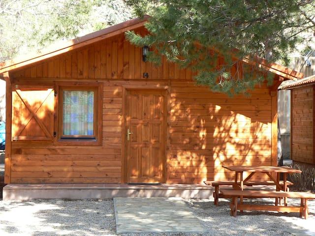Bungalow de madera 6 personas  - Albarracín - Haus