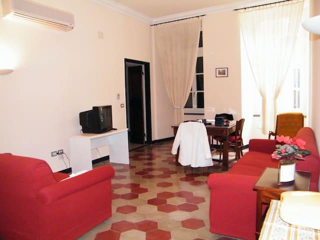 Appartamenti in palazzo d'epoca - Varese Ligure - Apartamento