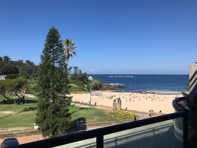 Beachside 2br with gorgeous water view & balcony! - Coogee - Departamento