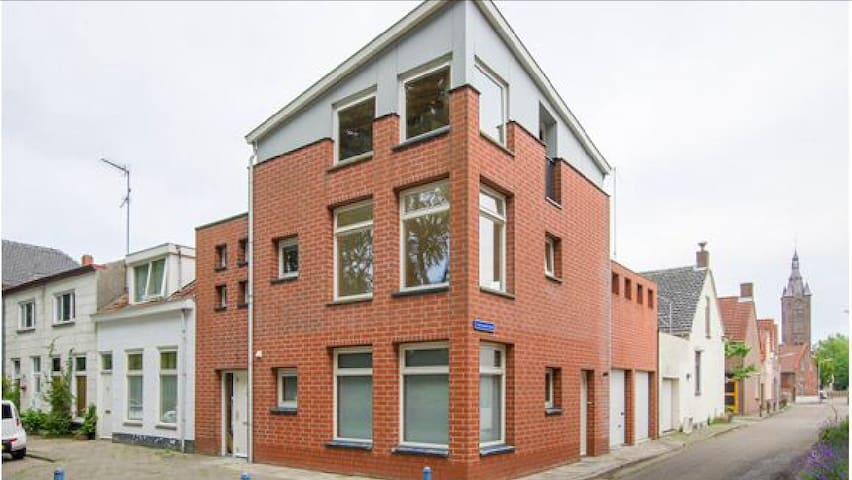 Strak & ruim ingericht appartement! - Terneuzen - Lägenhet