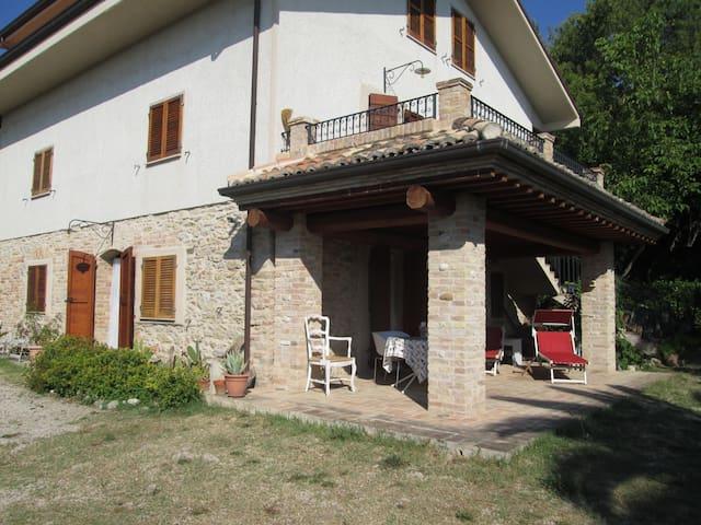 Casa Lucetta heuvels en de zee - Campofilone - Huis