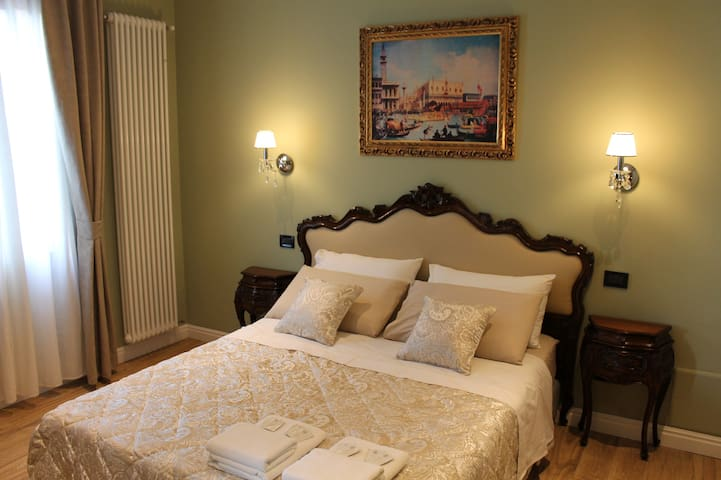 Dream of Venice, charm antique and comfort - Venetië - Bed & Breakfast