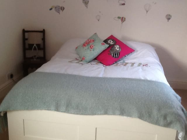 Ideal for airport. Close to Wilmslow and Alderley. - Wilmslow - Hus