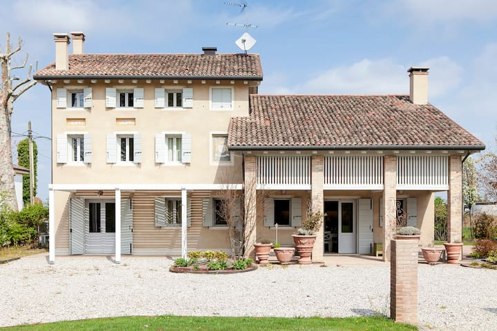 Lovely Country House with Private Swimming Pool - Provincia di Treviso - Maison