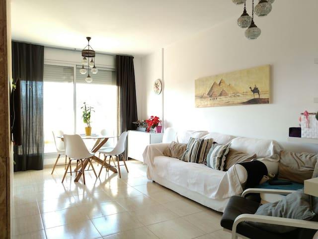 Atico con encanto, con habitacion doble privada - Sarrià de Dalt - Appartement