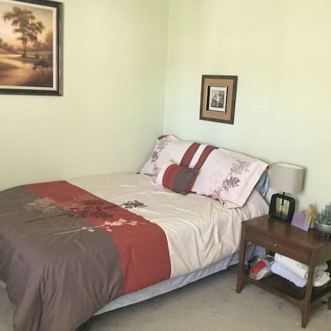 Comfy Spacious Room to Rest - Little Elm - Hus