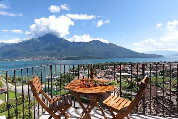 La Vedetta : wonderful view and private garden - Vercana - Apartamento