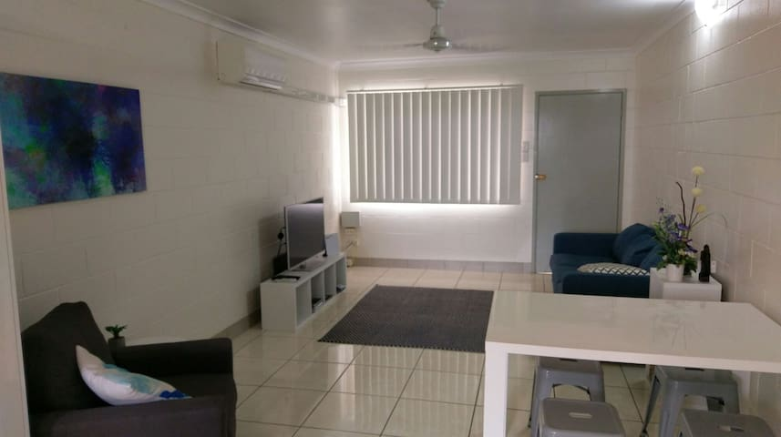 Entire Apartment - GREAT LOCATION - Mackay