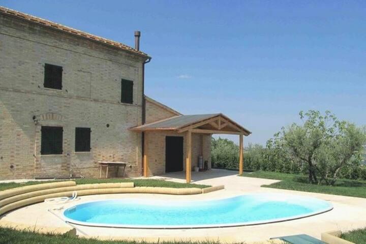 Rustico con piscina - Loro Piceno - Villa
