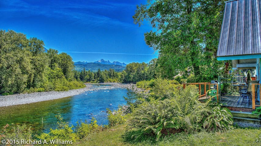 Scenic Skykomish River House - Gold Bar - Huis