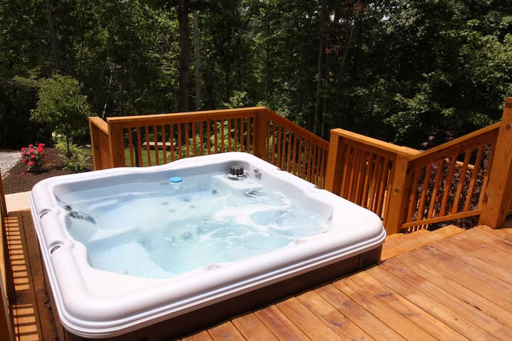 Cedar Chalet at Forest Cove Getaways - Franklin - Villa