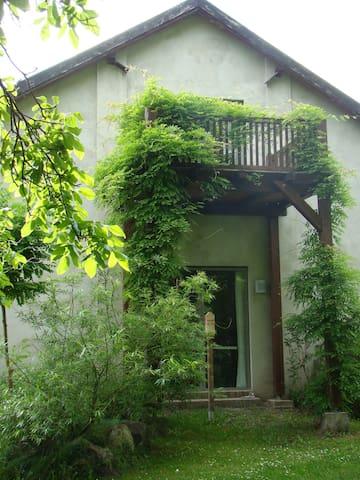 Atelierhaus auf dem Künstlerhof - Falkenberg/Mark - Appartement