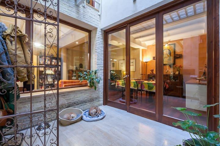 Habitación en 1ª planta en casa unif. compartida. - Sevilla - Ev
