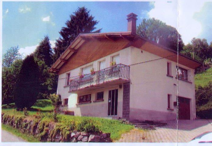 Maison type chalet sur les hauteurs - Saulxures-sur-Moselotte - House