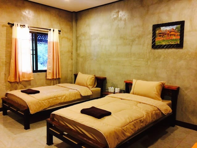 Plern Malee room 5 - for 2 ppl - mae wang