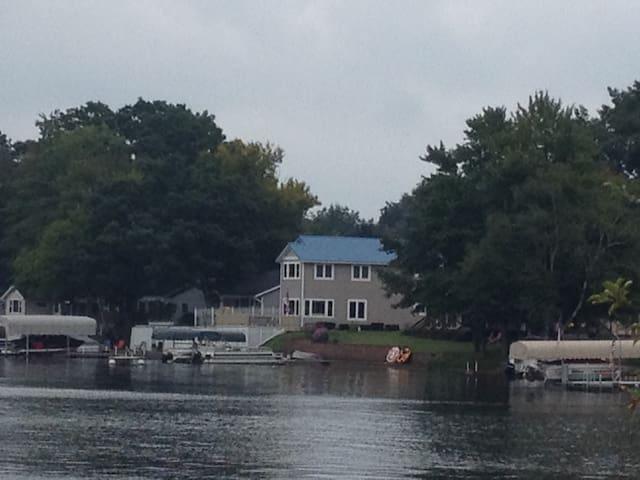 Perfect Multi-family Lake Getaway - Lakeview - Hus