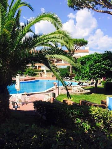 Appartamento in parco con piscine - Baia Domizia