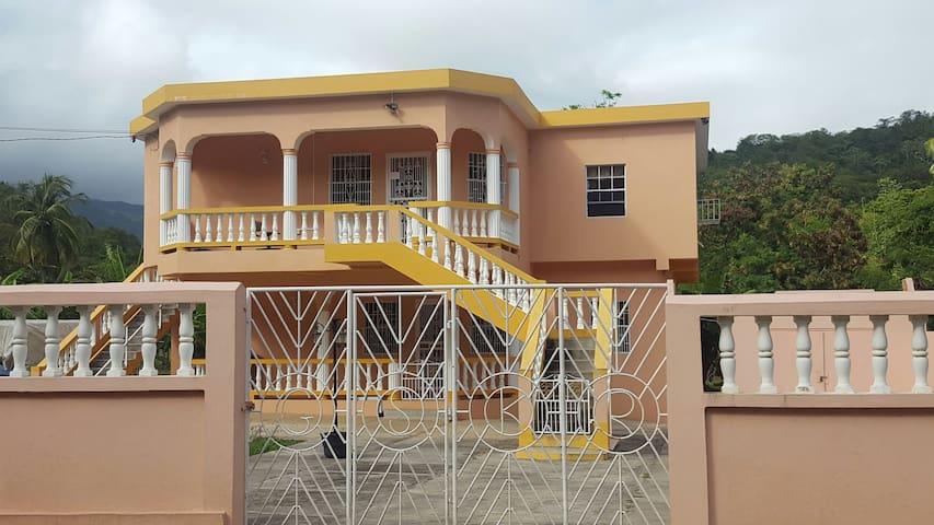 Affordable Island Living - Saint Davids - Haus