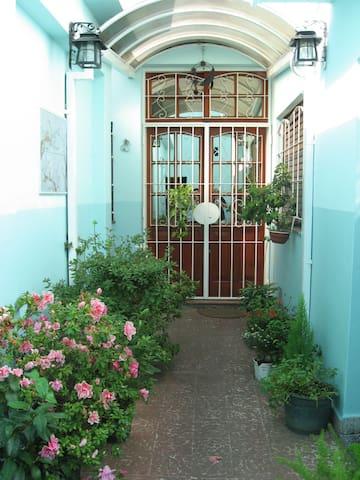 Universidad Tres de Febrero - Caseros - Dormitorio compartido