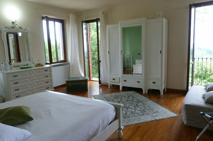 ROOM SHANTI - Azzano d'Asti - Bed & Breakfast