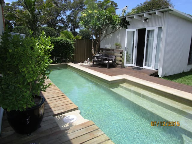 Small cabin in Islington with lap pool. - 伊斯靈頓(Islington)