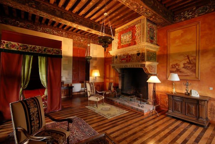 Chambre Renaissance XVIIeme siècle - Ménessaire - Kastil