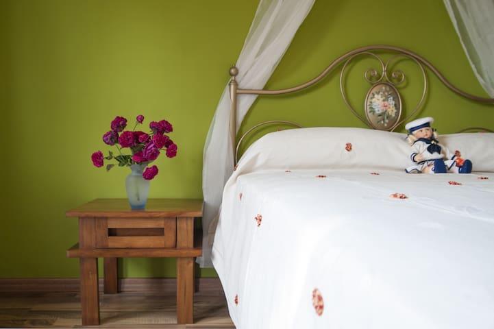 Elegante alloggio immerso nel verde - Cocconato - Apartemen