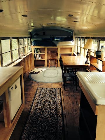 Comfy Renovated School Bus - Brattleboro - Inny