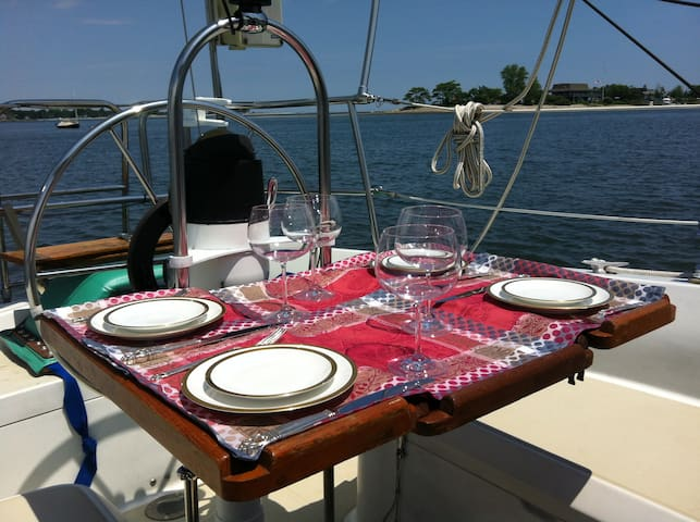 Romantic Perfection on the Sound - Westport - Barco