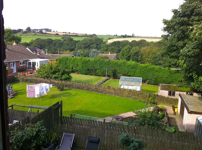 Double Room, Bathroom Country Views - Penistone