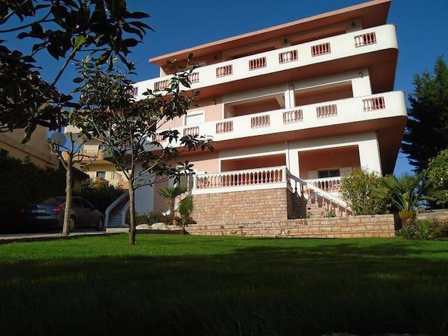 Viktor's Apartments - Ksamil - Ksamil