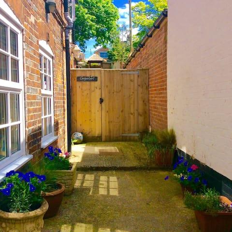 Stunning Garden Flat in gorgeous Market Town! - Hungerford