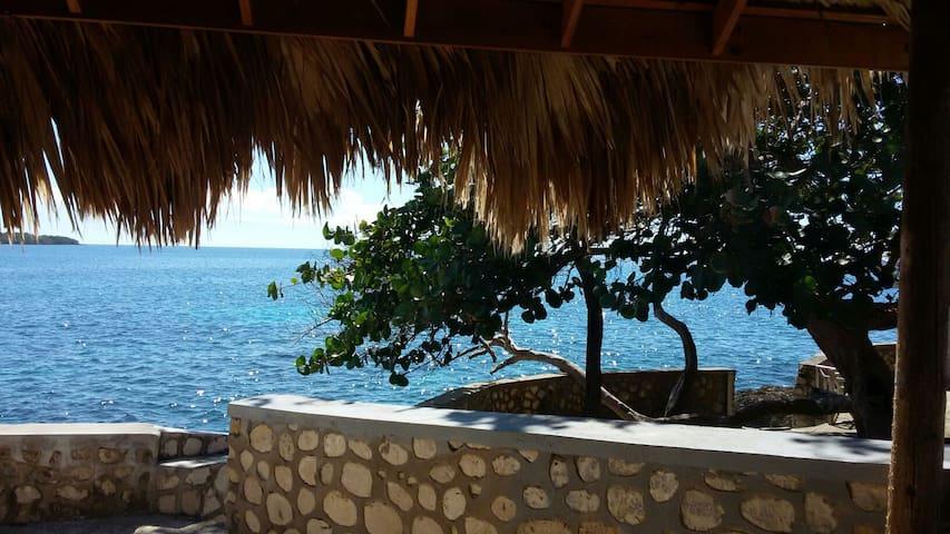 South Sea View Guest Resort - White House - Pousada
