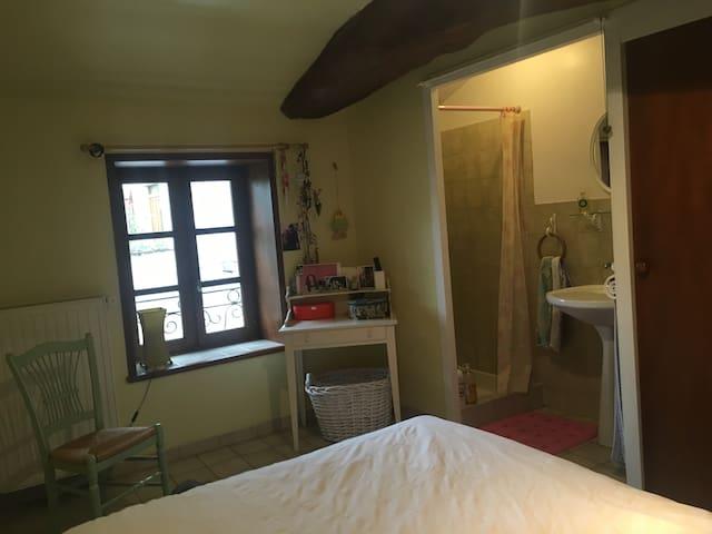 Chambre  privée  au cœur du vignoble Viré-Clessé - Viré