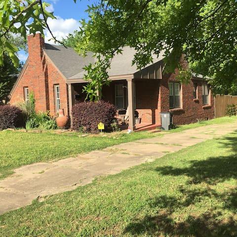 Crowelli Rose Cottage - Special Spring Pricing! - Tulsa - Casa