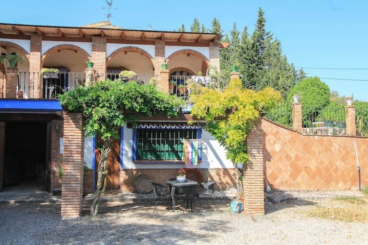 Beautiful Country house tipically andalusien style - Alhaurín de la Torre - Hus