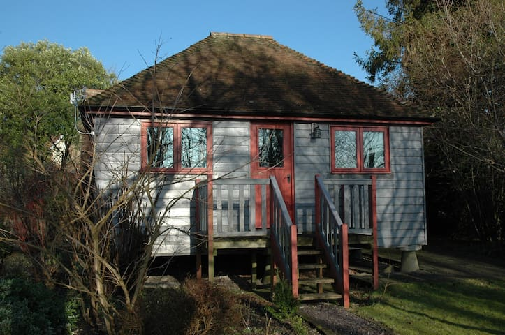 The Granary at Palm Tree House in S.E. Kent - Lyminge