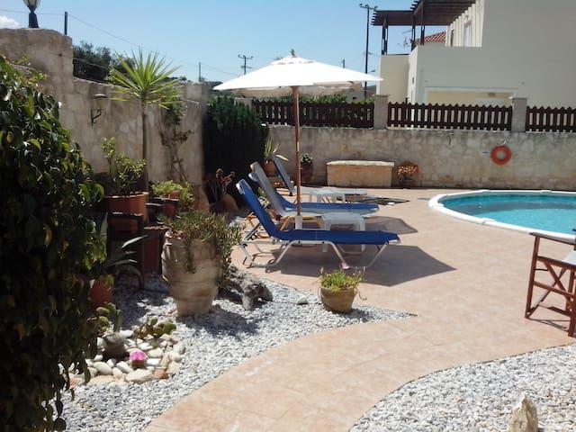 Detached Villa with private pool-3 min from beach - Almyrida - Villa