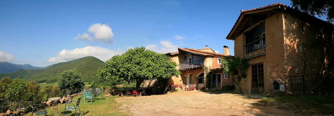 A PLACE TO STAY - Riudaura - Bed & Breakfast
