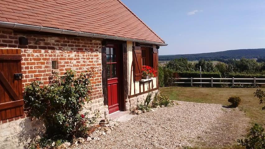 Jolie normande de charme avec vue - Norville - Hus