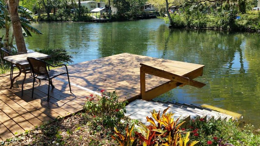 Last Resort  on Weeki Wachee River - Weeki Wachee